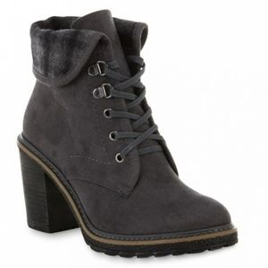 Canyon River Blues Women's Maggie Ankle Bootie